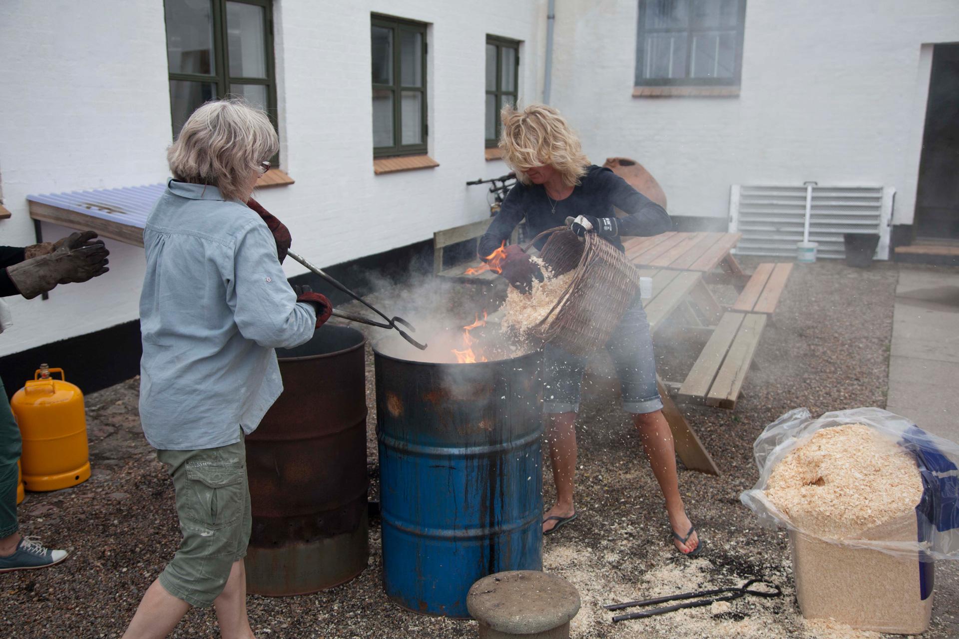 Lær raku brænding på keramik kurset