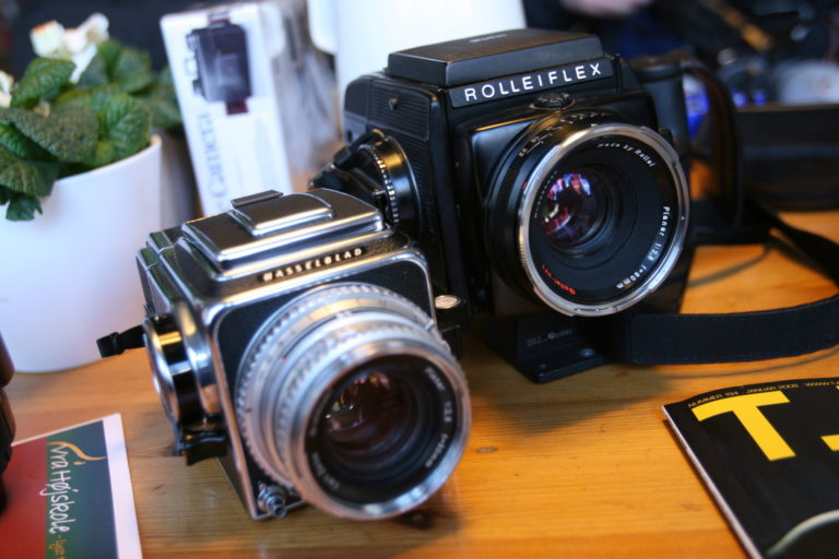 rolleiflex og hasselblad kamera