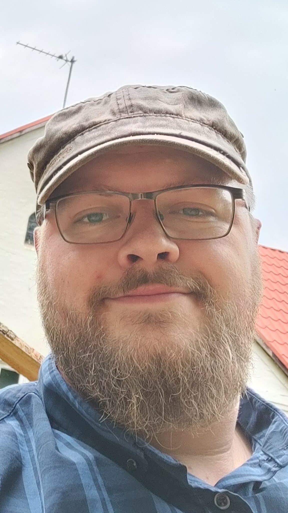 Lars S Riisberg